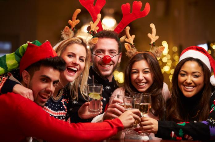 Top hangulat a TopHáz karácsonyi buliján élő norvég rénszarvassal az EMMI szíves felajánlásából