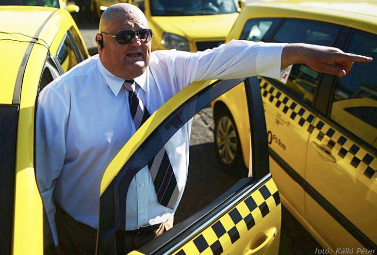 tarack taxi